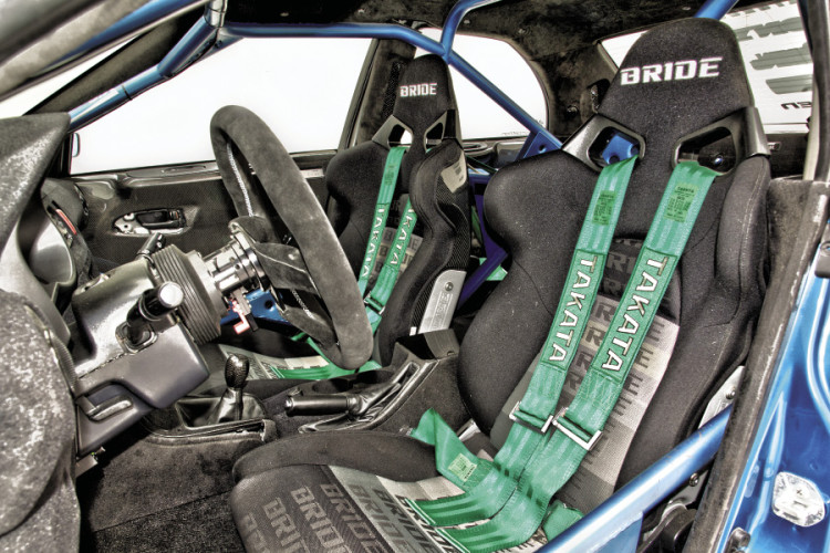 Takata-Racing-harnesses2