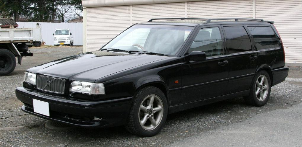 4004401_Volvo 850 1