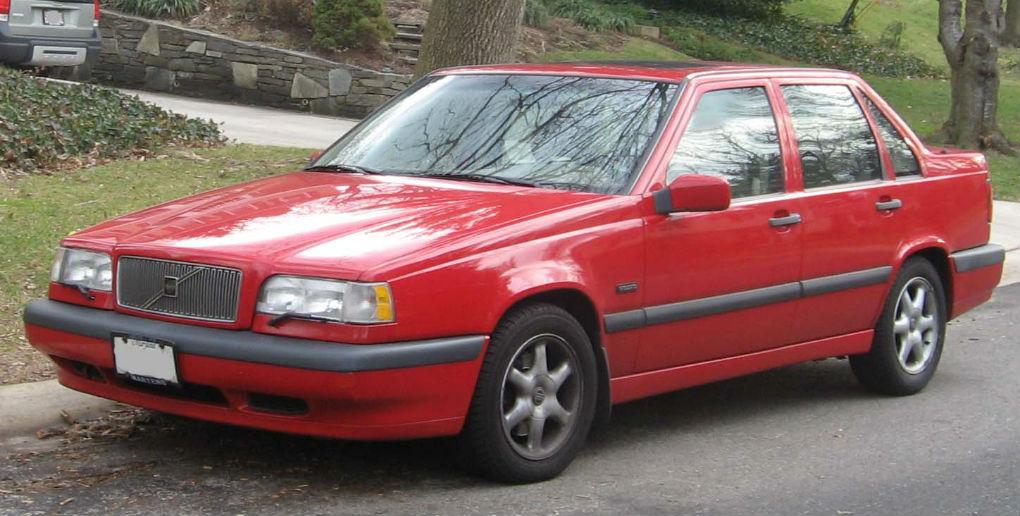4004401_Volvo 850 4