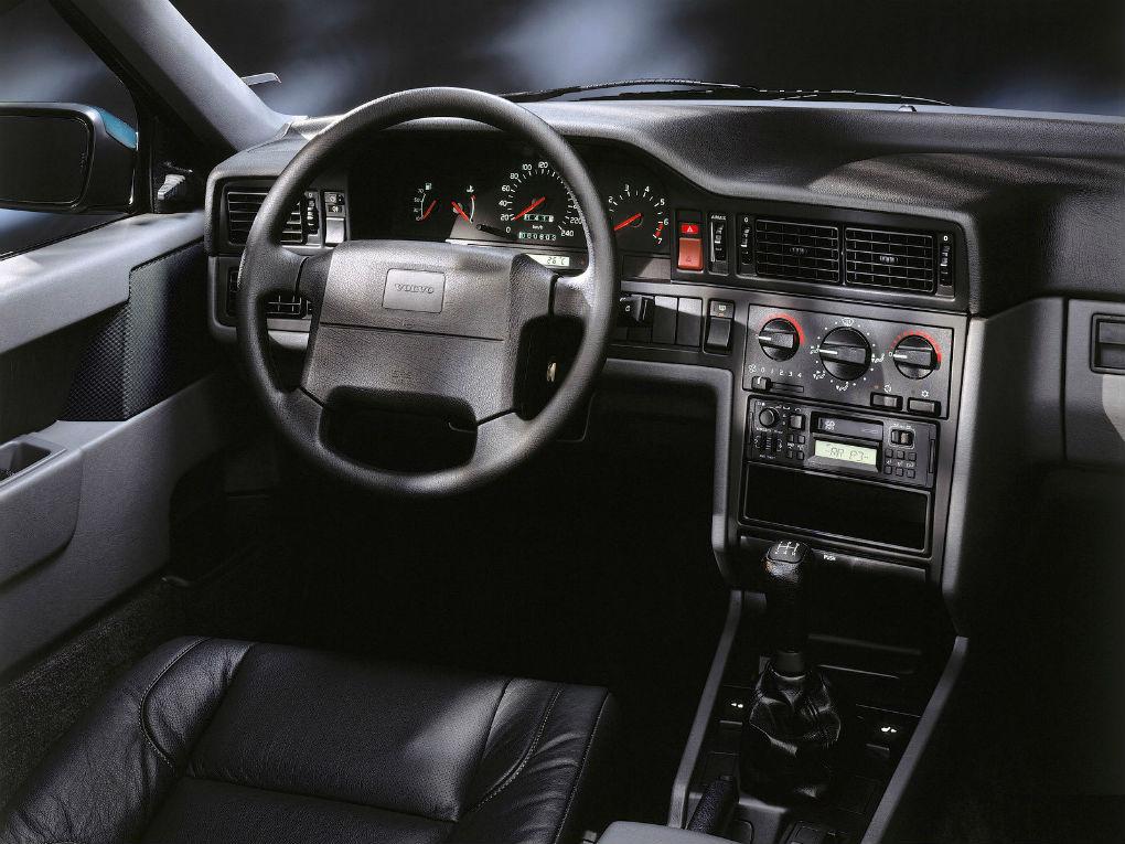 4004401_Volvo 850 5