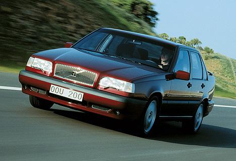 4004401_Volvo 850 9